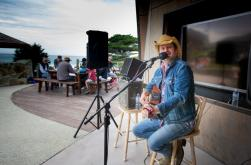 Live entertainment at BIG4 Apollo Bay Pisces Holiday Park